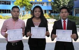 Estudiantes de Derecho UABJO participan en juicios orales