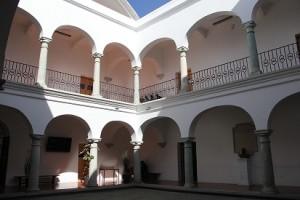 Remodelan Arquitectura 5 de Mayo de UABJO 1