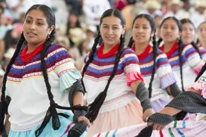 Cué, comprometido con desarrollo de indígenas