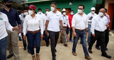 Continúa Murat recorrido en comunidades afectadas por el sismo