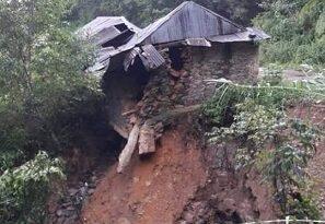 Fallecen dos personas por deslizamiento de ladera