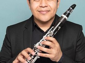 "Emiliano Mendoza, clarinetista zapoteca ""Vandoren Paris"""